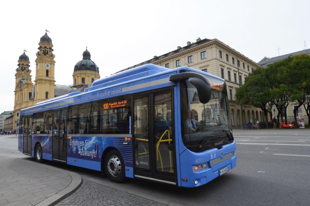 Wvv Würzburg Fahrplan : erster elektrobus auf der linie 100 im einsatz ~ Watch28wear.com Haus und Dekorationen